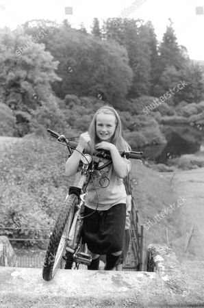 Editorial picture of Julia Hope-johnstone 11 Who Woke Up This Morning To Find She Is Now A Lady After Her Father Won The Right To The Title Earl Of Annandale And Hartfell. (for Full Caption See Version) Box 689 701061648 A.jpg.