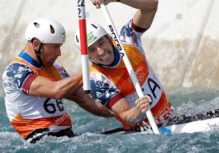David Florence, Richard Hounslow David Florence, front, and Richard Hounslow of Britain compete during the canoe single C2 men's semifinal of the canoe slalom at the 2016 Summer Olympics in Rio de Janeiro, Brazil
