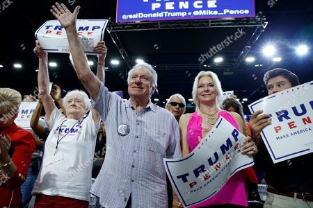 Jackie Siegel, David Siegel Supporters of Republican presidential candidate Donald Trump Jackie Siegel, right, and David Siegel cheer as he speaks during a campaign rally, in Kissimmee, Fla