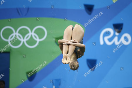 United States' Kassidy Cook competes during the women's 3-meter springboard diving preliminary round in the Maria Lenk Aquatic Center at the 2016 Summer Olympics in Rio de Janeiro, Brazil, Friday, Aug. 12, 2016.