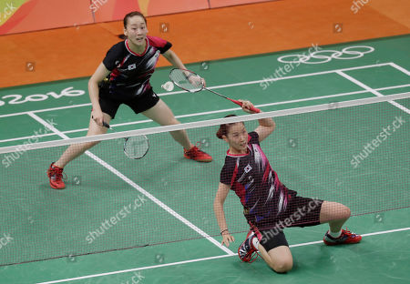 Lee So-hee, Chang Ye-na South Korea's Lee So-hee, left, and Chang Ye-na try to return a shot to China's Tang Yuanting and Yu Yang during a Women's Double match at the 2016 Summer Olympics in Rio de Janeiro, Brazil