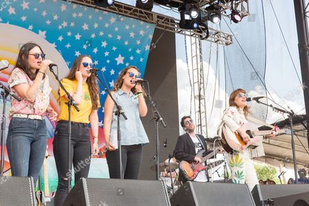 Jenny Lewis with The Staves - Emily Staveley-Taylor, Jessica Staveley-Taylor, Camilla Staveley-Taylor and Jenny Lewis