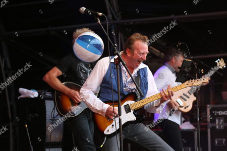 Big Country - Simon Hough, Bruce Watson and Scott Whitley