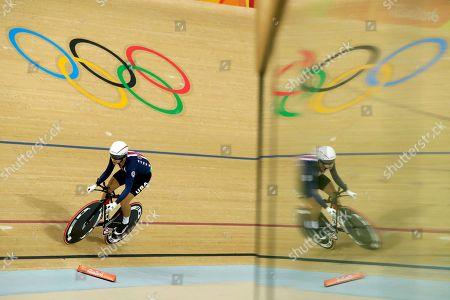 Sarah Hammer of the United States competes in the women's cycling omnium individual pursuit at the Rio Olympic Velodrome