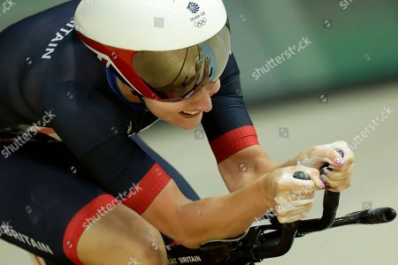 Sarah Hammer of the United States competes in the women's omnium cycling time trial at the Rio Olympic Velodrome during the 2016 Summer Olympics in Rio de Janeiro, Brazil
