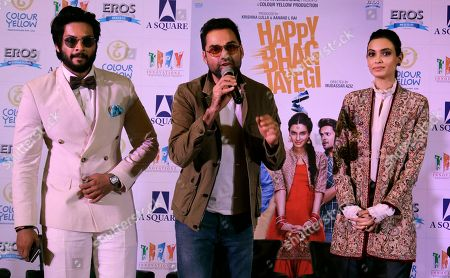"Ali Fazal, Abhay Deol, Diana Penty Bollywood actor Abhay Deol, center, is flanked by his co-actors, Ali Fazal, left, and Diana Penty, as he speaks during the promotion of their upcoming movie ""Happy Bhag Jayegi"" in New Delhi, India"