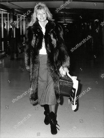 Editorial photo of Glamour Model Janine Andrews Flying Out From Heathrow Airport. Box 688 726051637 A.jpg.