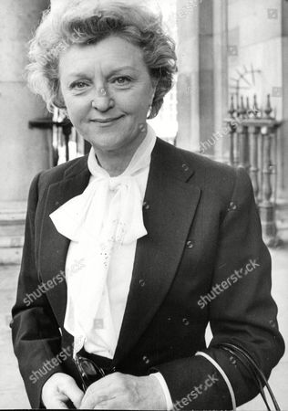 Actress Avril Angers At Memorial Service To Dame Agatha Christie. Box 688 826051629 A.jpg.