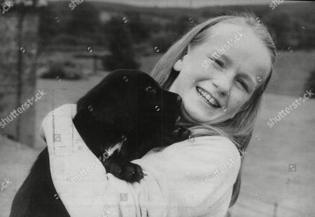 Lady Julia Hope-johnstone With Her Pet Puppy 'panda' At Her Home In Dumfriesshire. Box 690 30106162 A.jpg.