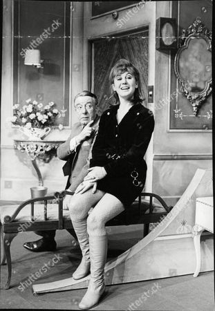 Actor Wilfred Pickles And Actress Rosalyn Slater. Box 691 130806166 A.jpg.