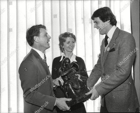 Editorial photo of Actors L-r: Edward Fox Jane Asher And Simon Williams. (for Full Caption See Version) Box 692 509061618 A.jpg.