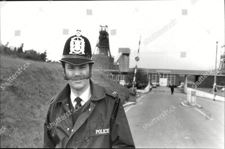 Pc Ian Beattie Back On His Beat Of Lyndurst And The New Forest. Story Of Rural Police And Their Role In The Nottingham Pit Strike. Box 693 72906168 A.jpg.