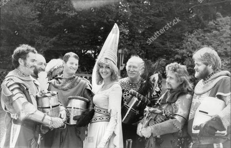 Sara Barrett Daily Mail Journalist Joins The Knights Of Jousting Federation Of Great Britain At Chilham Castle Kent. Box 694 329061633 A.jpg.