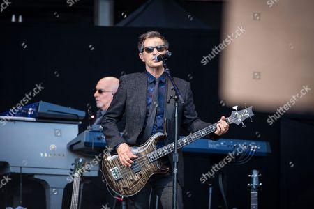 E Street Band - Garry Tallent