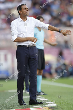 Real Betis head coach Gustavo Poyet during the Liga match between FC Barcelona and Real Betis played at the Camp Nou, Barcelona, Spain on 20th August 2016