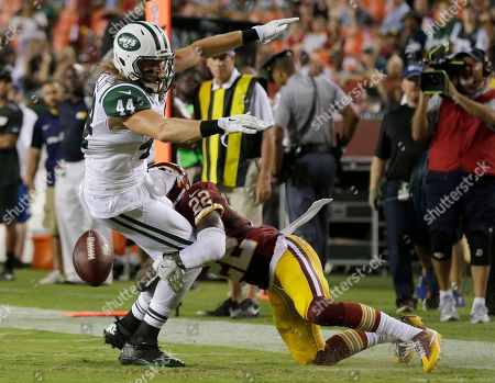 Zach Sudfeld, Deshazor Everett New York Jets tight end Zach Sudfeld (44) fumbles the ball as he is hit by Washington Redskins cornerback Deshazor Everett (22) during the second half of an NFL preseason football game, in Landover, Md. The ball was recovered by the Redskins