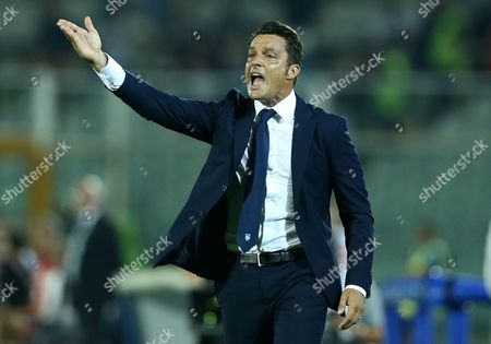 Pescara trainer Massimo Oddo