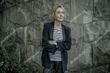 Stock Picture of Elizabeth Hand