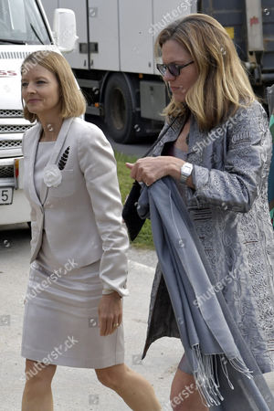 Jodie Foster with wife Alexandra Hedison
