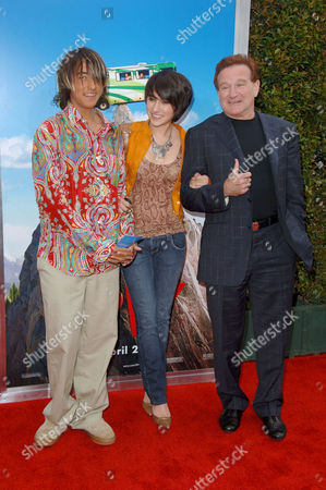 Editorial image of 'RV' FILM PREMIERE PRESENTED BY COLUMBIA PICTURES, LOS ANGELES, AMERICA - 23 APR 2006