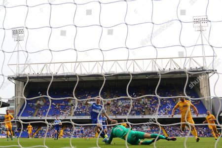 Anders Lindegaard of Preston North End gathers the ball from Freddie Sears of Ipswich Town - Ipswich Town v Preston North End, Sky Bet Championship, Portman Road, Ipswich - 27th August 2016.