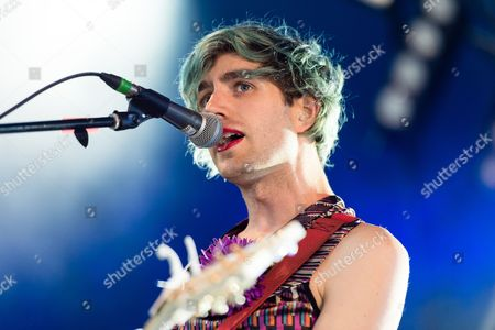 Ezra Furman performing.