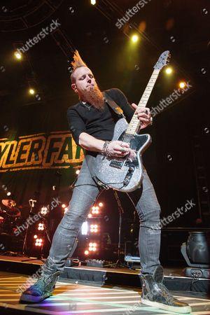 Guitarist Gary Jannaman of Tyler Farr