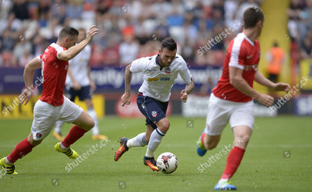 Mark Davies of Bolton Wanderers during the Sky Bet League One match between Charlton Athletic and Bolton Wanderers played at The Valley, London on 27th August 2016