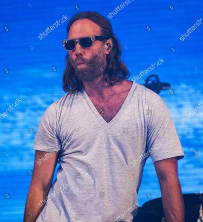 Gary Stringer the lead singer of Reef