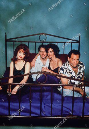 Julie  Brown, Arye Gross, Courteney Cox, Kevin Pollak