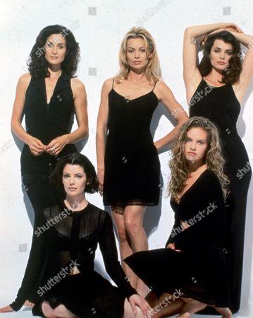 Carrie-Anne Moss, Kylie Travis, Stephanie Romanov, Teresa Hill, Cassidy Rae