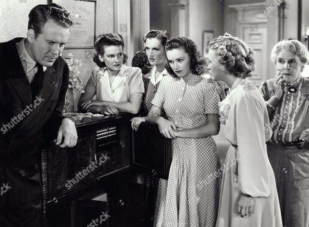 Dick Jones, Lola Lane, Gale Page, Rosemary Lane, Priscilla Lane