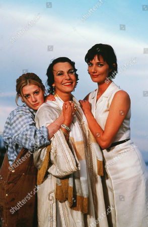 Aleska Palladino, Claire Bloom, Joely Richardson