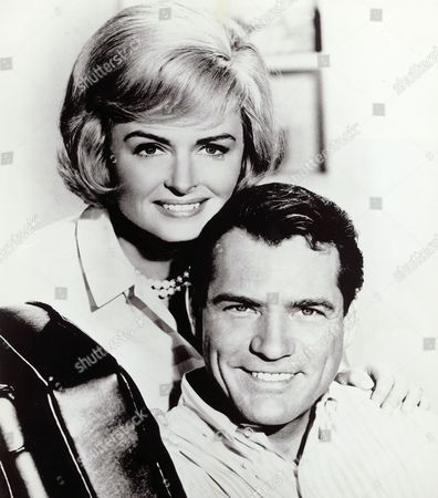 Donna Reed, Carl Betz