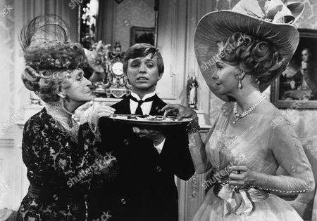 Geraldine Page, Tommy Steele, Gladys Cooper