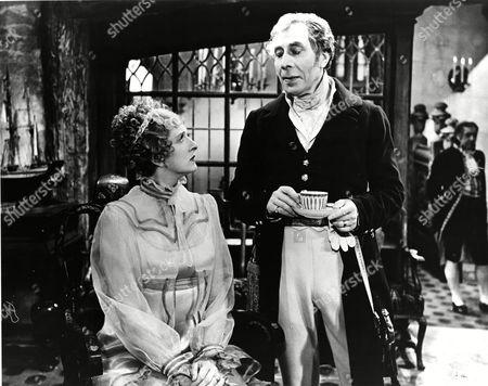 Gladys Cooper (Duchess d'Angouleme) and George Arliss (Duke of Wellington