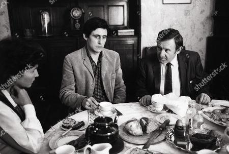 Stock Image of Fionnula Flanagan, Gabriel Byrne, Niall Toibin