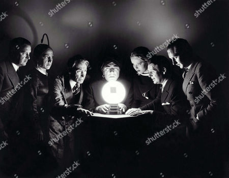 Bryant Washburn, Mary Frey, Tully Marshall, Bela Lugosi, Sally Blane, Wallace Ford, George Meeker