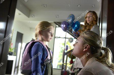 Isabella Cramp, Rebecca Romijn