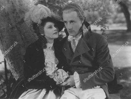 Heather Angel, Leslie Howard