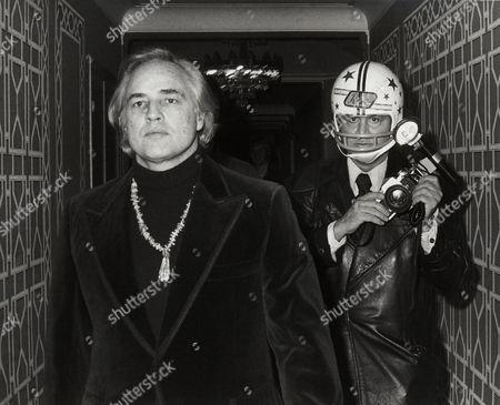 Marlon Brando, Ron Galella