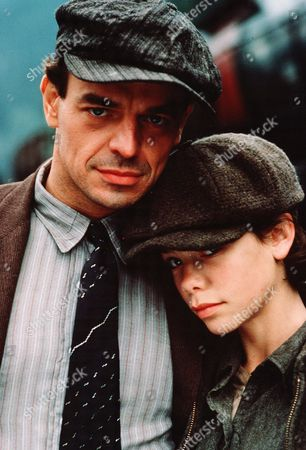 Ray Wise, Meredith Salenger