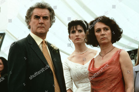 Billy Connolly, Shauna Macdonald, Francesca Annis