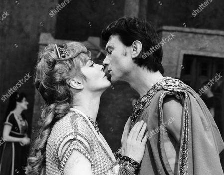 Moira Redmond, Laurence Harvey