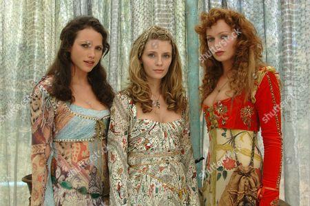 Kate Groombridge, Mischa Barton, Rosalind Halstead