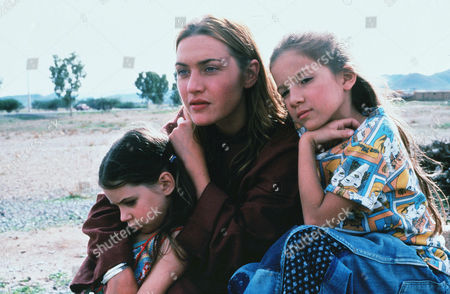 Carrie Mullan, Kate Winslet, Bella Riza