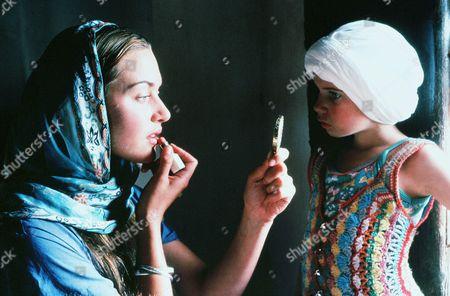 Kate Winslet, Carrie Mullan