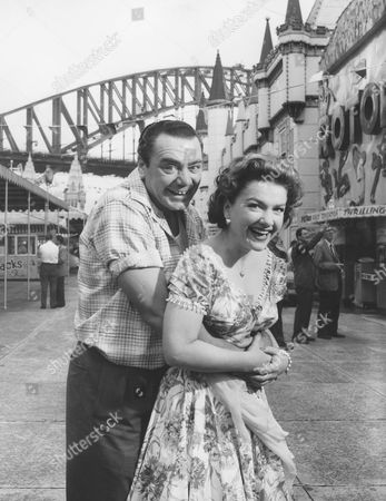 Ernest Borgnine, Anne Baxter
