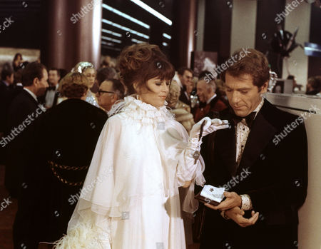 Jane Fonda, George Segal