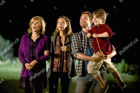 Markie Post, Hilarie Burton, Brody Rose, Tyler Hilton